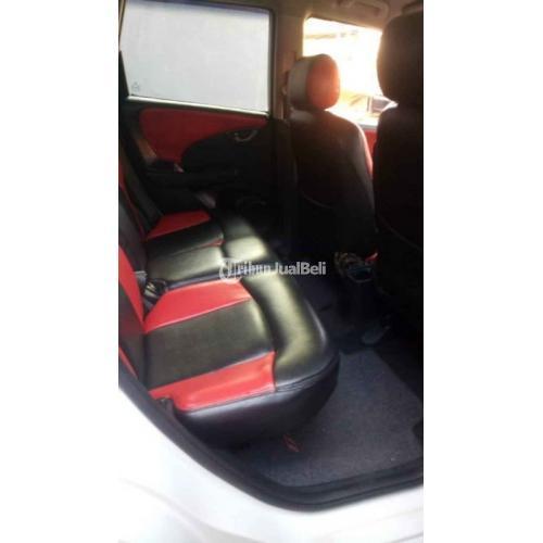 Mobil Honda Jazz RS MMC 2011 Matik Putih Mesin Halus Bekas Nego - Badung