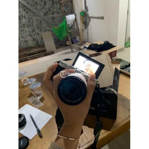 Kamera Mirrorless Fujifilm XA2 Fullset Bekas Like New Normal Nominus - Makassar