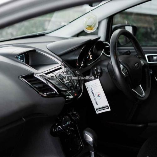 Mobil Ford Fiesta Ecoboost 1.0 Turbo AT th 2014 Putih Bekas Pajak Aktif - Denpas