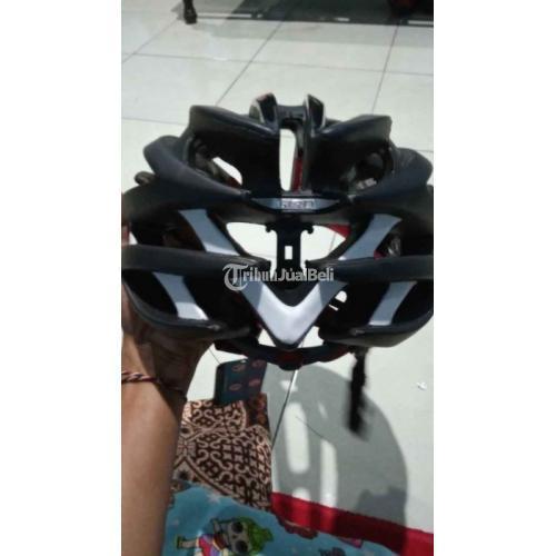 Helm Sepeda Merk Giro Aeon Acm Size L Bekas Mulus No Minus Harga Nego - Sukoharjo