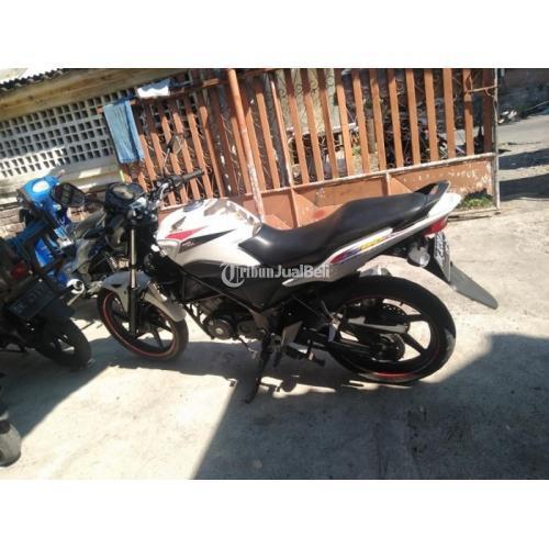 Motor Honda CBR 150 2014 Surat Lengkap Pajak Hidup Bekas Harga Nego - Denpasar