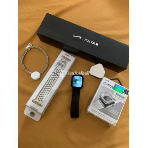 Apple Watch Series 4 44mm Fullset Edisi NIKE Bekas Nominus Free Casing - Medan