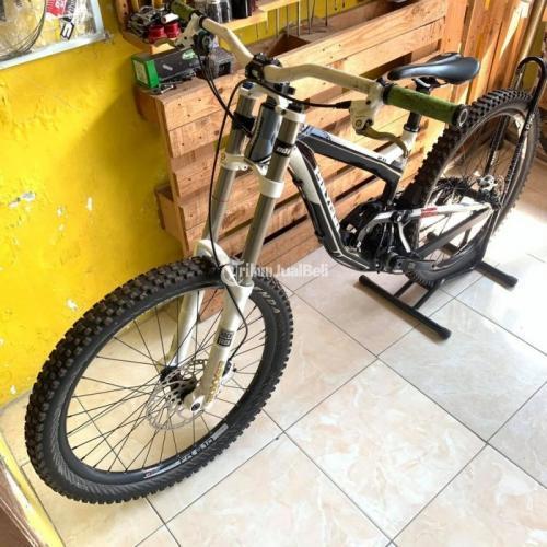 Sepeda Polygon Collosus DH2 FS2 Fullbike Size S Bekas Kondisi Normal - Pasuruhan