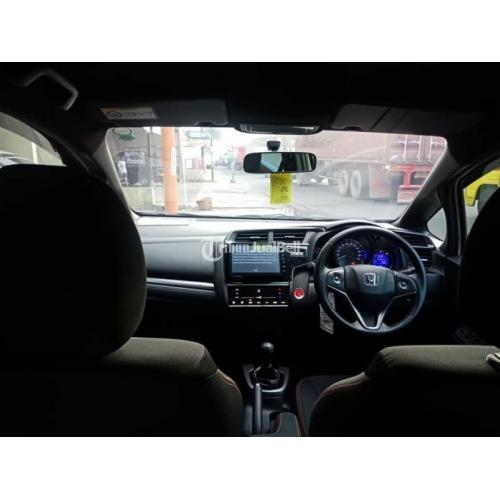 Mobil Honda Jazz RS Manual 2018 Low KM Bekas Body Mulus Mesin Halus - Solo
