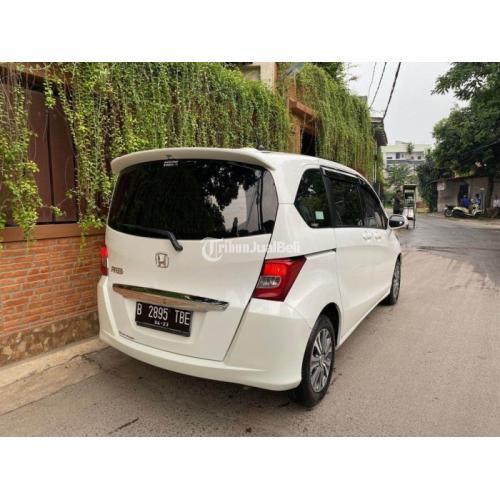 Mobil Honda Freed 2013 PSD (E) Bekas KM Low Pajak Panjang Harga Nego - Jakarta