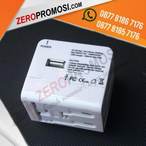 Universal Travel Adapter Travel Adapter UAR03 Bahan Plastik - Tangerang