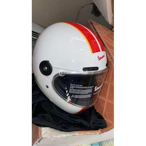 Helm Vespa Original Size LG Putih Line Merah Baru Tidak Jadi Pakai - Jakarta