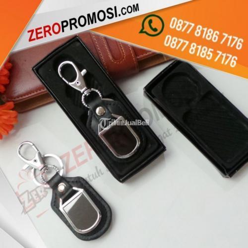 Souvenir Gantungan Kunci Besi Kombinasi Kulit Mewah Kode Gk-A07 - Tangerang