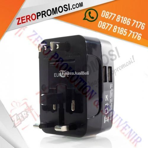 Dual Port USB Universal Travel Adaptor UAR07 - Tangerang