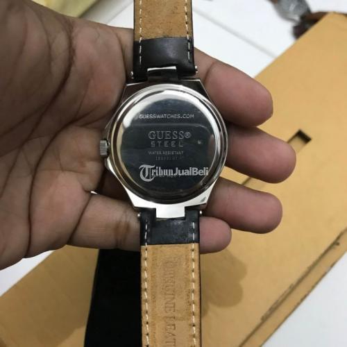 Jam Tangan Guess Chronograph Black Original Bekas Normal No Box - Surabaya