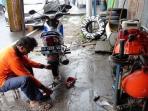 Waspadai Tukang Tambal Ban Curang yang Bikin Kantong Kita Jebol Mendadak