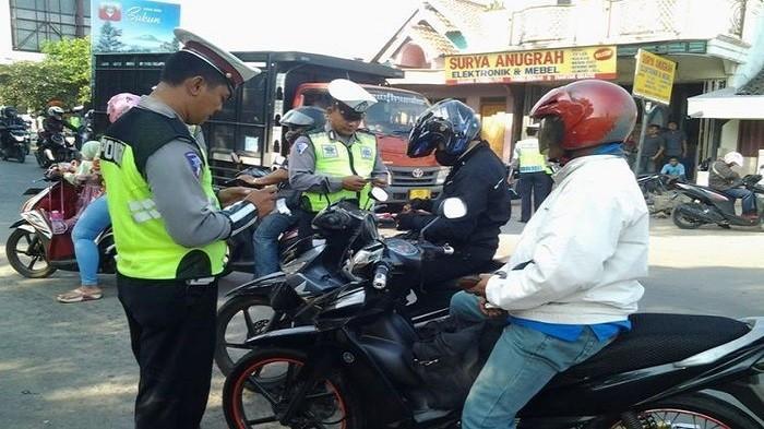 Bukan SIM atau STNK, Inilah 5 Hal yang Diincar oleh Polisi pada Razia Bulan Maret 2018. Siap-siap ya!