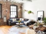 Ingin Ciptakan Ruangan Bergaya Rustic? Coba Ikuti 8 Ide Dekorasi Ini