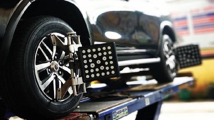 Kenali Tanda-Tanda Mobil Butuh Spooring dan Balancing