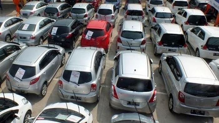 Pilihan Mobil Bekas Harga Murah 60 Jutaan di Balai Lelang