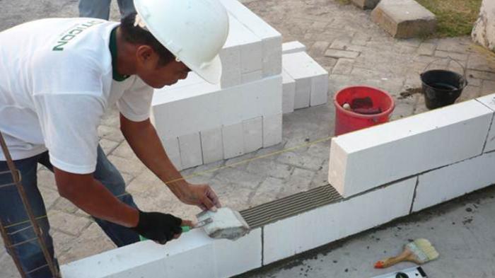 Sebelum Memutuskan, Simak Kelebihan dan Kekurangan Batako Pres dan Bata Ringan Untuk Membangun Rumah
