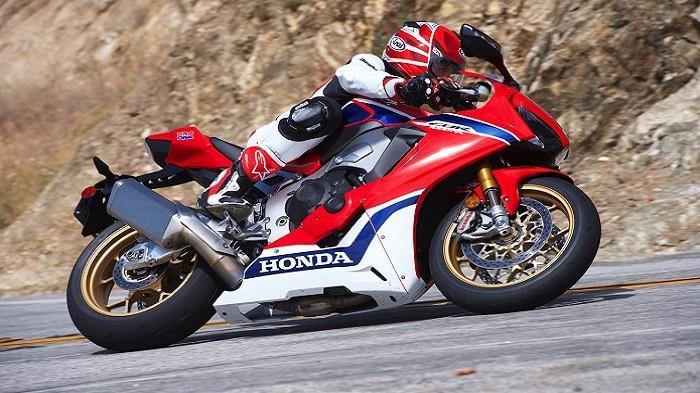 4 Motor Sport Saingan CBR1000RR SP yang Dijual di Indonesia