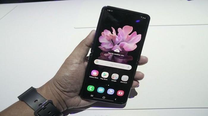 Intip Bocoran Spesifikasi dan Harga Smartphone Lipat ...