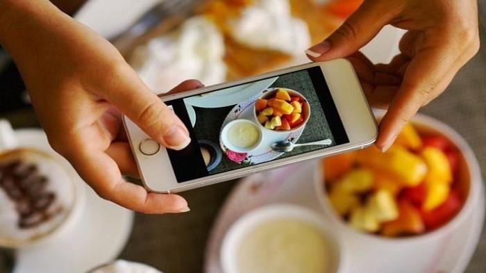 4 Tips untuk Menghasilkan Foto Makanan dengan HP yang Terlihat Ciamik di Instagram