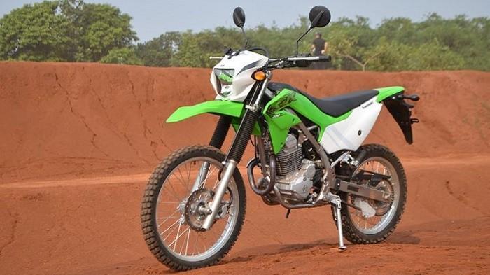 Cek Harga Motor Trail Terbaru Desember 2020, Kawasaki KLX 150 Jadi Paling Murah