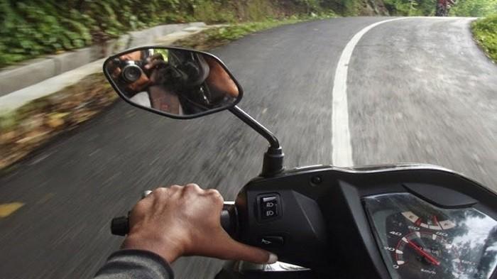 Kebiasaan Pengendara Motor Matik yang Bikin Rusak Komponen, Menarik Gas Bersamaan dengan Tuas Rem