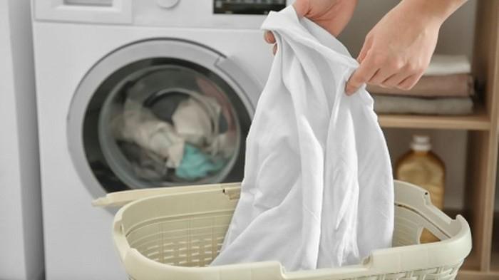 Musim Hujan Tiba, Coba Lakukan 4 Tips Ini untuk Cegah Bau Apek pada Baju