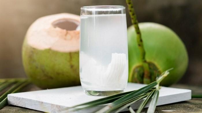 Cobalah Rutin Minum Air Kelapa Selama 15 Hari Berturut-turut, Rasakan 5 Khasiat Ini pada Tubuh