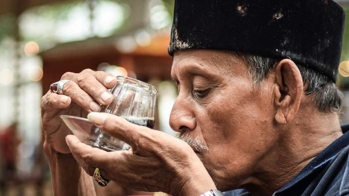 Kurangi Minum Kopi Jika Kamu Mengalami 3 Tanda Ini