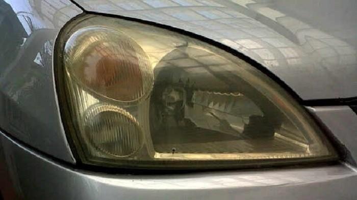 Ini Penyebab Mika Lampu Mobil Cepat Menguning