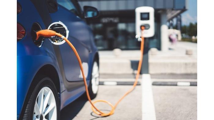 Bagaimana nasib mobil listrik jika digunakan untuk menerjang banjir?