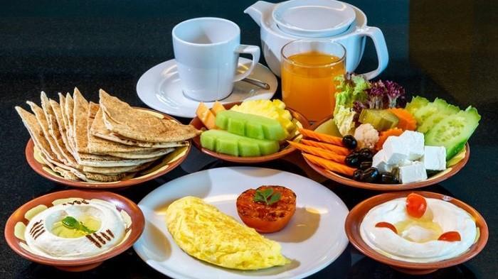 3 Jenis Makanan yang Dianjurkan untuk Pelaku Diet saat Berpuasa