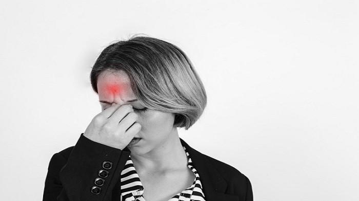 3 Penyebab Sakit Kepala Sepanjang Hari saat Berpuasa