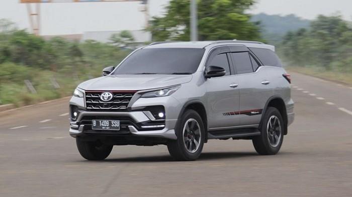 Cek Harga New Toyota Fortuner VRZ Terbaru Bulan April 2021
