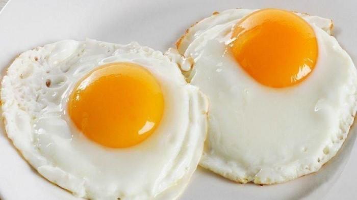 Hati-Hati, Ini Bahaya Konsumsi Telur Setengah Matang