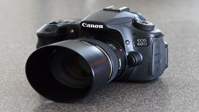 Hobi Fotografi? Cek Harga 3 Rekomendasi Kamera DSLR dan Mirrorless Bekas Merek Canon