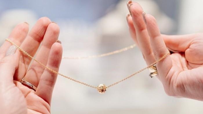 Jangan Sampai Turun Harga Saat Dijual Karena Rusak, Begini Cara Benar  Merawat Perhiasan Emas