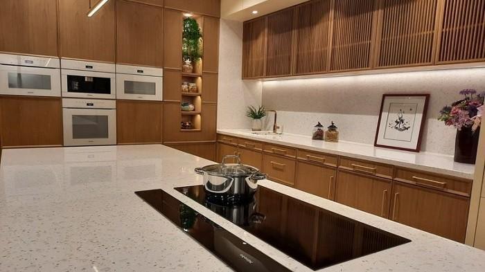Rumah Bebas Panas, Asap, dan Bau dengan Pasang Exhaust Fan di Plafon Dapur